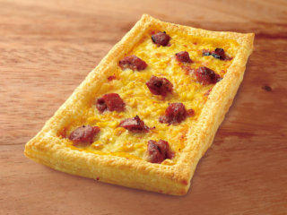 炭火焼きチキンとコーンのピザ